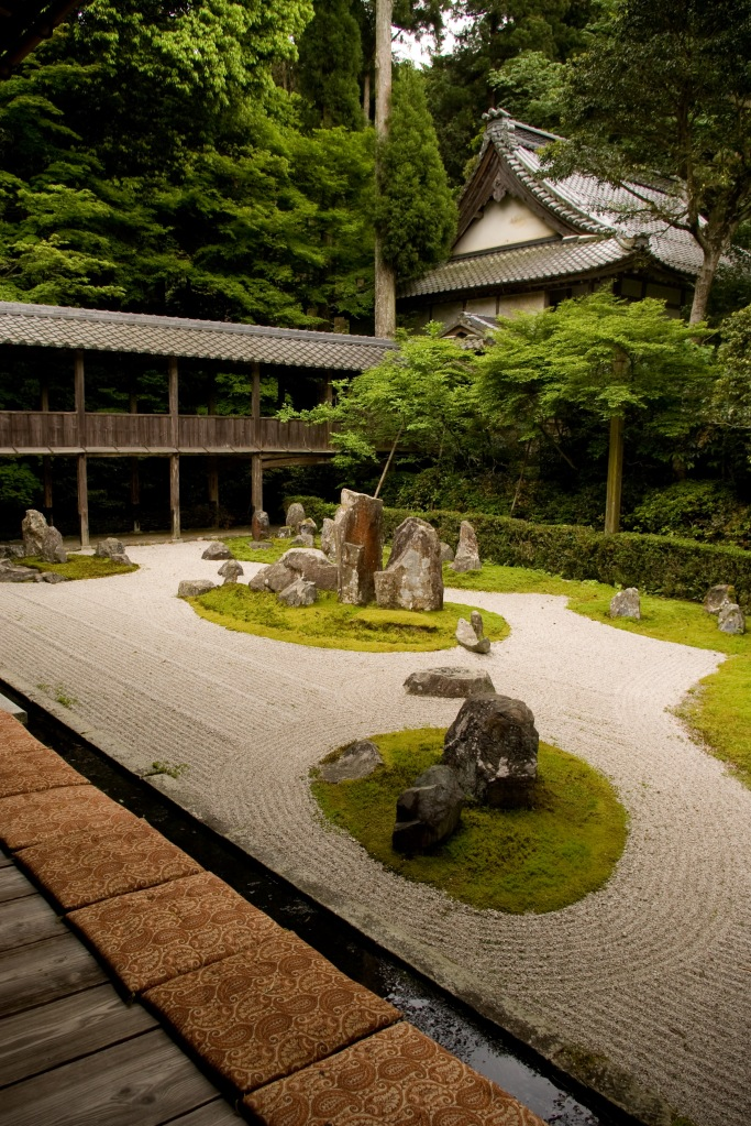 A tranquil garden nestled in the middle of a museum