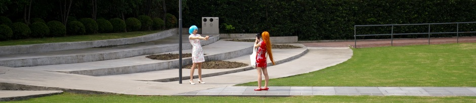 Cosplayers have fun in Jing'an Sculpture Park