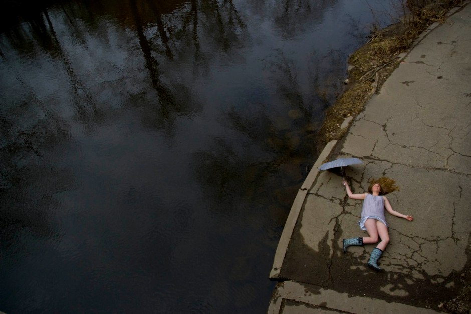 A model poses for a spring magazine project at Michigan State University